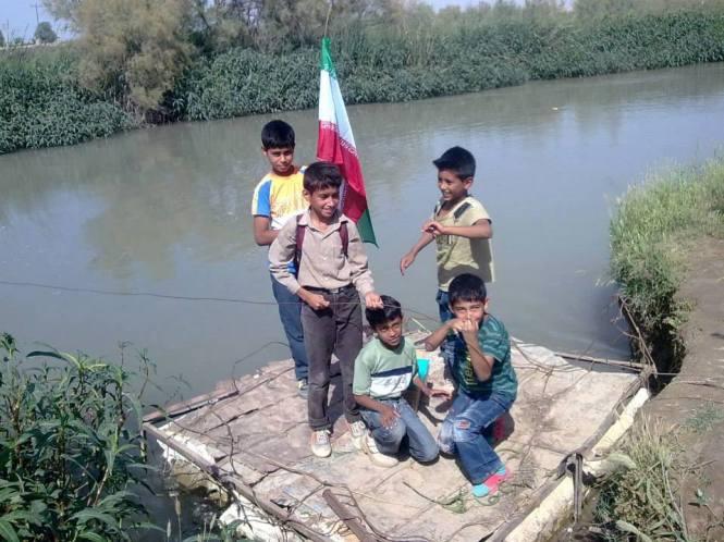 ساخت پل شناور توسطمعلم و دانش آموزانشهر شوش