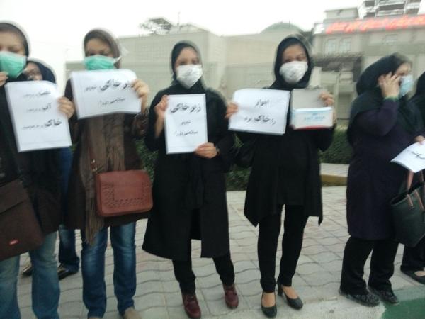 اعتراض به گرد و غبار در اهواز