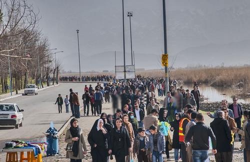 راهپیمایی صدها تن از اهالی مریوان در حمایت از دریاچه زریبار
